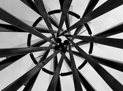 (archmnd) Tags: lens canon canon600d moody composition symmetrical structure fer metal industry sky architecture noiretblanc paris vitrysurseine