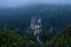 burg eltz II (>>nicole>>) Tags: blauestunde bluehour burg burgeltz castle fog hunsrck landscape landschaft langzeitbelichtung longexposure mist natur nature nebel