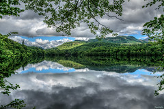 Pitlochry Mirror (Javiralv) Tags: scotland pitlochry tummel river clouds water blue escocia nubes agua summer