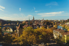 Bern (CROMEO) Tags: bern berna canton suiza swiss switzerland incredible place medieval arquitectura building rio river aar sun day cromeo photography view point rosengarten vistas city capital ciudad torre