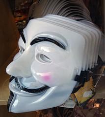 - (txmx 2) Tags: hamburg mask guyfawkes window display shop whitetagsrobottags whitetagsspamtags