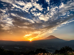 Fuji October sunsets (shinichiro*) Tags: 駿æ±é¡ é岡ç æ¥æ¬ jp 20161014img5495 2016 crazyshin appleiphone7plus iphone fuji 富士 sunsets 夕景 誓いの丘 小山町 shizuoka japan 726385 201703gettyuploadesp