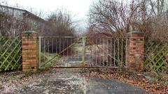 Tor (ThomasKohler) Tags: tor einfahrt ausfahrt door eisentor eingang ausgang entrance exit alt old rost rust