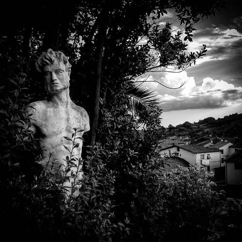 Il #cielo su Villa Garzoni a Collodi (PT), parte 2 #Italia #Italy #Toscana #Tuscany #blackandwhite #arte #art #fineart #sky