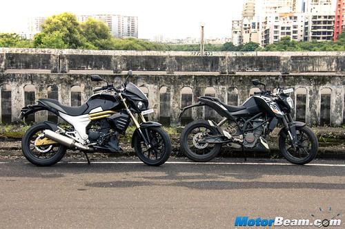 Mahindra-Mojo-vs-KTM-Duke-200-03