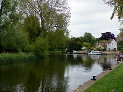 Godmanchester to St Ives 087: River Great Ouse (Peter O'Connor aka anemoneprojectors) Tags: 2015 boat building cambridgeshire cottage england godmanchestertostives grade2listed grade2listedbuilding gradeiilisted gradeiilistedbuilding gradetwo gradetwolisted gradetwolistedbuilding greatouse hemingfordgrey house landscape listed listedbuilding outdoor river rivercottage rivergreatouse water z981 kodakeasysharez981 kodak uk