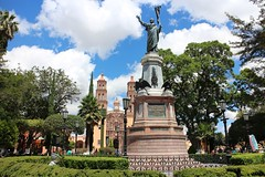 Statue of Hidalgo at Main Square, Dolores Hidalgo, Mexico (Bencito the Traveller) Tags: statue mexico hidalgo doloreshidalgo mainsquare