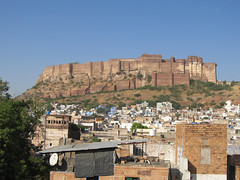 "Jodhpur: le fort <a style=""margin-left:10px; font-size:0.8em;"" href=""http://www.flickr.com/photos/127723101@N04/22249638180/"" target=""_blank"">@flickr</a>"