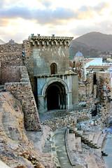 Porta Teatro (Vera Schuck Paim) Tags: teatro romano ruinas em cartagena espanha spain runa romanas colunas mrmore rosa jardins caminhos reconstruoes