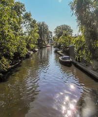 18-Waterway in Broek in Waterland  25Sep16 (1 of 1) (md2399photos) Tags: broekinwaterland hollandholiday25sep16 irenehoevetouristshop monnickendam