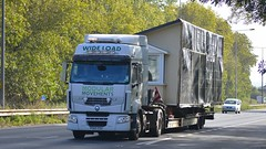 PO60 EDU (panmanstan) Tags: renault premium wagon truck lorry commercial wideload freight transport haulage hgv vehicle a63 southcave yorkshire