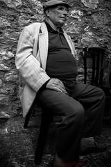 y (Giovanni Coccoli 75) Tags: street bw antico ritratto volti persone lowkey vecchio attesa pensieri