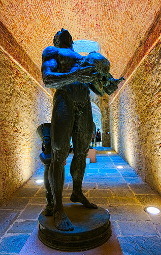 The statue exposed in Arezzo fortress