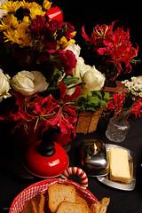 _MG_9802 (Livia Reis Regolim Fotografia) Tags: pão outback australiano ensaio estudio livireisregolimfotografia campinas arquitec pãodaprimavera hortfruitfartura frutas mel chocolate mercadodia flores rosa azul vermelho banana morango café italiano bengala frios queijos vinho taça 2016 t3i