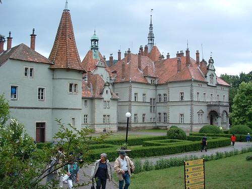 Beregvár, Schönborn-kastély