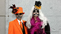 IMG_2911 (Doubletee) Tags: california losangeles hollywood hollywoodforevermemorialpark hollywoodforevercemetery cemetery díadelosmuertos dayofthedead celebration holiday woman makeup costume suit tie hat tophat orange canonefs1855mmf3556 geotagged