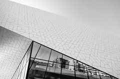 EYE - New Dutch Film Institute (Przemek Turlej) Tags: amsterdam ams thenetherlands nederland holland holandia dutch theeye arquitectura architecture architektur architektura architekturawspółczesna archdaily mimoa turlej nikond5100 sigma1020mm blackandwhite bnw