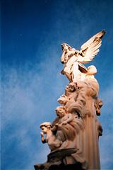 Petite mort (A.Oscar) Tags: colour argentique contax139 film analog cimetire tombe grave sculpture nice france ciel sky blue ange angel death mort 28mm cemetery