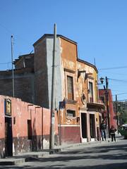 Buildings on Calzada de la Luz, San Miguel de Allende, Mexico (Paul McClure DC) Tags: sanmigueldeallende mexico bajo guanajuato nov2016 historic architecture