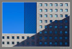 Genova - San Benigno - # 1 (cienne45) Tags: genoa sanbenigno architettura architecture building edificio centrodirezionale urbanistica urbano lucieombre finestre windows vetrate ghesemmugenoa reflections riflessi businesscenter urban planning carlonatale cienne45 natale artonflickr