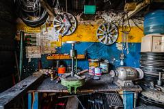 Borracharia (rogeriobromfman) Tags: brazil brasil sãopaulo fotojornada cambuci borracharia tyreshop trabalho oficina workbench ferramentas tools pneus tyres tires