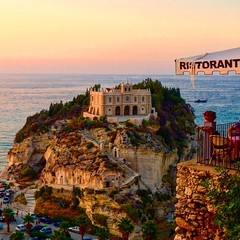 Tropea (Italy) - Santa Maria dell'Isola (mariasabatino) Tags: wonderful isola chiesa church travel italia italy tramonto sunset sea mare reggiocalabria vibovalentia calabria tropea