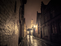 Silence et pluie / Silence and Rain (Gilderic Photography) Tags: bruges belgium night belgique belgie rain street empty city panasonic lumix lx3 gilderic