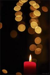 Advent (Helmut Reichelt) Tags: advent kerze licht geretsried bayern bavaria deutschland germany nikon d3 captureone8 colorefexpro4 dfine2 afsnikkor50mmf14g f14