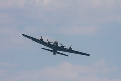Bournemouth Air Show 2015 (108 of 155) (johnlinford) Tags: flying aircraft airshow boating bournemouth b17bomber airfestival aeronautical poolebay bournemouthairfestival bournemouthinternationalairshow bournemouthairfestival2015