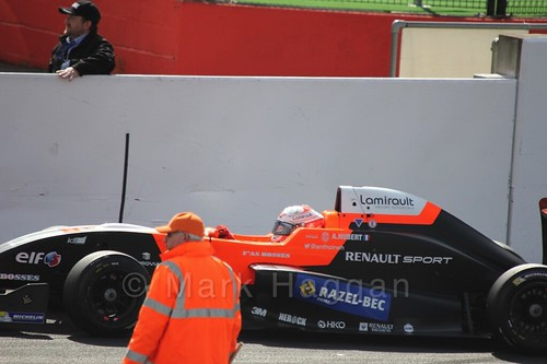 Setting up the grid for the first Renault 2.0 race at Silverstone 2015