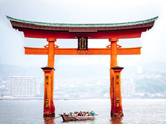Blessed (campra) Tags: red sea tourism water japan island boat gate shrine tourist unesco miyajima shinto 神社 torii itsukushima 厳島 hiroshimabay