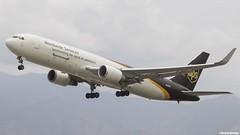 Boeing 767-34AF (ER) (WL) / United Parcel Service (UPS) / N332UP (Vicente Quezada /// Photography) Tags: santiago er aviation united off cargo ups civil take service boeing parcel comercial wl scl aviacin b767 76734af scel n332up b76f civilean