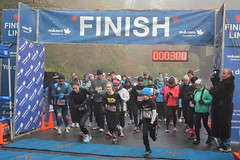 DSC_0942 (daveburroughs125) Tags: vancouver running racing 10k stanleypark inspiring halfmarathon 5k inittowinit worldsbestpark