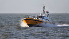 Pilots (Duevel) Tags: sea water ship zee gemini vlissingen pilots flushing scheepvaart westerschelde loodsboot