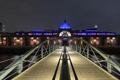 Fischauktionshalle Hamburg (KLX-650) Tags: altona architektur blauestunde deutschland elbe fischauktionshalle germany hafen hamburg harbour nacht nachtaufnahme longexposure night