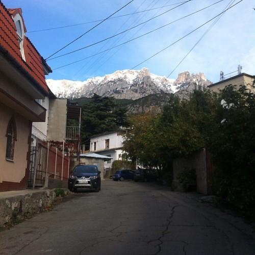 #безфильтра первый снег выпал на Ай-Петри. Начинается горнолыжный сезон.
