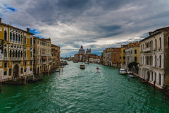 Venezia (CROMEO) Tags: venezia venecia venice city water around italy italia original transport fluvial method incredible awesome views cromeo cr photo photography euro europe turismo turism clouds canales canal houses colors