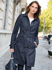 Single breasted Trench (betrenchcoated) Tags: trenchcoat trench raincoat regenmantel buttons singlebreasted beautifulgirl midlength