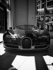 Bugatti Veyron (Roachbytes) Tags: chicago bugatti veyron exoticcars bugattiveyron