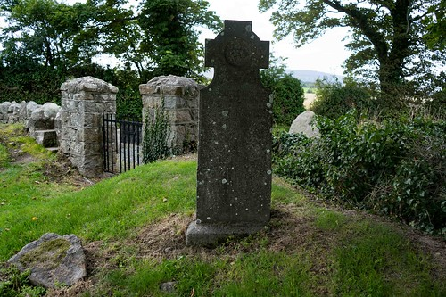 TULLY CHURCH AND THE LAUGHANSTOWN CROSSES [SEPTEMBER 2015] REF-108636