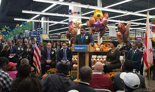 MMB@WalmartGrandOpening.10.28.15.Khalid.Naji-Allah-3213