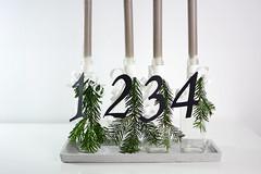 Adventskranz-Flaschen_1 (_windprincess) Tags: black diy handmade adventwreath adventskranz doityourself simpel skandinavisch skandinavian