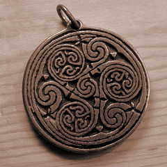 triskelion (zamburak) Tags: spiral three medallion triple triskelion