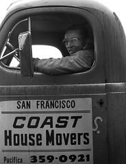 Western Addition, San Francisco 1977 (Dave Glass . foto) Tags: sanfrancisco 1970s 1977 westernaddition truckdriver truckdrivers housemovers coasthousemovers sanfranciscorelocated