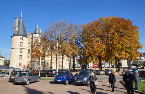 2016-10-24 10-30 Burgund 642 Nevers, Palais Ducal