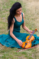 Lady and Violin (mehmetyukselphotography) Tags: model people human lady woman music turkey erzurum rose flowers violin life love city nature lands landscape colorful blue amazing awesome fashion girl portrait portre keman food color colors coffee niversite