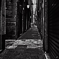 """Walking In The Alleys Of Genoa"" (giannipaoloziliani) Tags: graffiti architectures streetdetails details strada stretto narrow narrowstreets obscure oscuro scuro downtown light case biancoenero captured capture houses walls walk walking people city suburbs stones sunrays luci ombre liguria italianstreets alleysofgenoa vicolidigenova blackstreet nikoncamera nikond3200 nikon alleys vicoli genoacity unesco italy genova shadows darkness buio dark streetphoto street nero hardstyle hard black noire streetphotography blackandwhite monochromatic astratto linee viuzza trama allaperto sfondonero"
