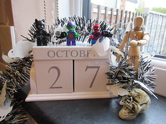 Thursday, 27th, As another month draws to a close IMG_8850 (tomylees) Tags: calendar perpetual essex morning autumn october 27th thursday 2016 skull halloween lego