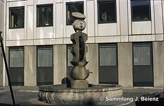 1970 Brunnen am U-Bahn-Referat Hackenstrasse Mnchen 01 (Pacific11) Tags: mnchen munich 1970 1971 vintage alt selten bilder bayern ubahn baureferat hackenstrasse brunnen