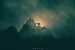 quilibre Divin (Frdric Fossard) Tags: grain texture nuage brume nature montagne rocher aiguilledutour gendarmelatable alpes hautesavoie massifdumontblanc cime crte arte lumire ombre lueur vert silhouette atmosphre luminosit